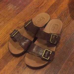 BORN leather sandal 6.5